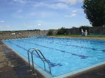 Helmsley swimming pool helmsley the north york moors - An open air swimming pool crossword clue ...